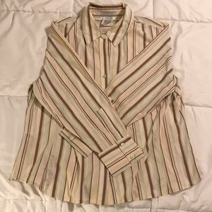 EUC George Woman's Plus Stretch Button Down Top